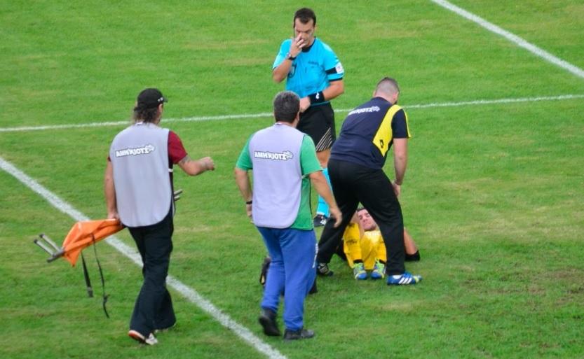 Τι συμβαίνει όταν στα ελληνικά γήπεδα ποδοσφαιριστές καταρρέουν όπως ο Έρικσεν; Μερικές φορές απλώς πεθαίνουν